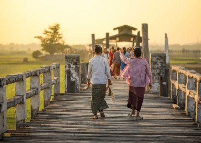 Märchenhaftes Myanmar mit der Prozession am Inle See